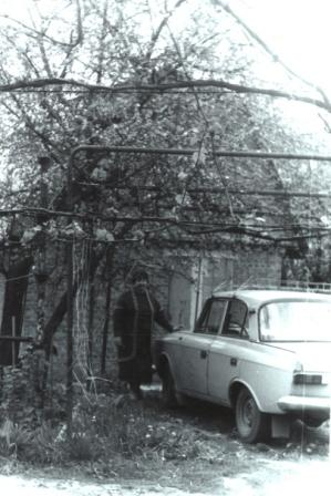 Всаду на даче, г. Славянск, 1996 г.